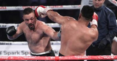 Joseph Parker beats Junior Fa by unanimous decision in all-New Zealand bout