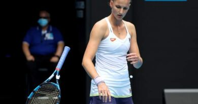 Australian Open: Karolina Pliskova breaks racquets in loss to Karolina Muchova