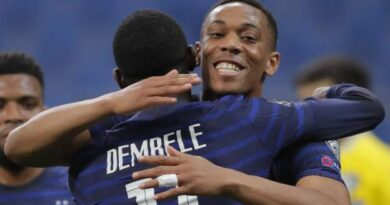 France forward Anthony Martial went off after receiving treatment for an injury during his country's World Cup qualifying win over Kazakhstan.