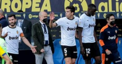 Valencia: Alleged racist comment sees team leave pitch