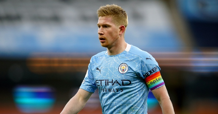 Manchester City midfielder Kevin de Bruyne has signed a new contract with the Premier League leaders that runs until 2025.