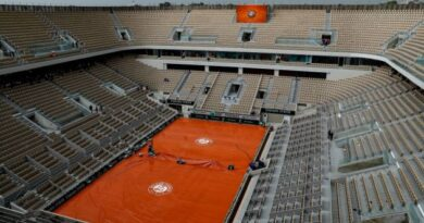 The French Open has been postponed by a week in the hope that more spectators will be permitted to attend.