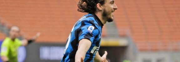 Matteo Darmian was the unlikely hero as Inter Milan beat Cagliari to extend their Serie A lead to 11 points.