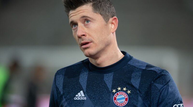 The prolific Polish striker has seen a move away from the Allianz Arena mooted, but he claims to be fully committed to his contract