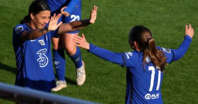 Chelsea moved a step closer to retaining the Women's Super League title with a comfortable victory over a stubborn Tottenham Hotspur side.