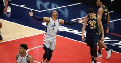 The Washington Wizards eased to a 142-115 win over the Indiana Pacers to book their place in the NBA play-offs.