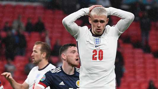 The Three Lions' all-time record scorer thinks the midfielder has struggled in Gareth Southgate's set-up due to a lack of runners ahead of him