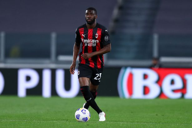 Having impressed during his half-season loan at San Siro, the defender has now been tied down to a deal that runs until 2025