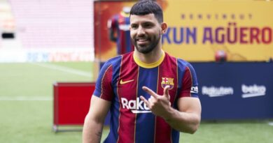 Memphis & Aguero given Barcelona squad numbers