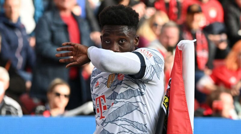 Davies injury update delivered after Bayern Munich full-back suffers hamstring problem
